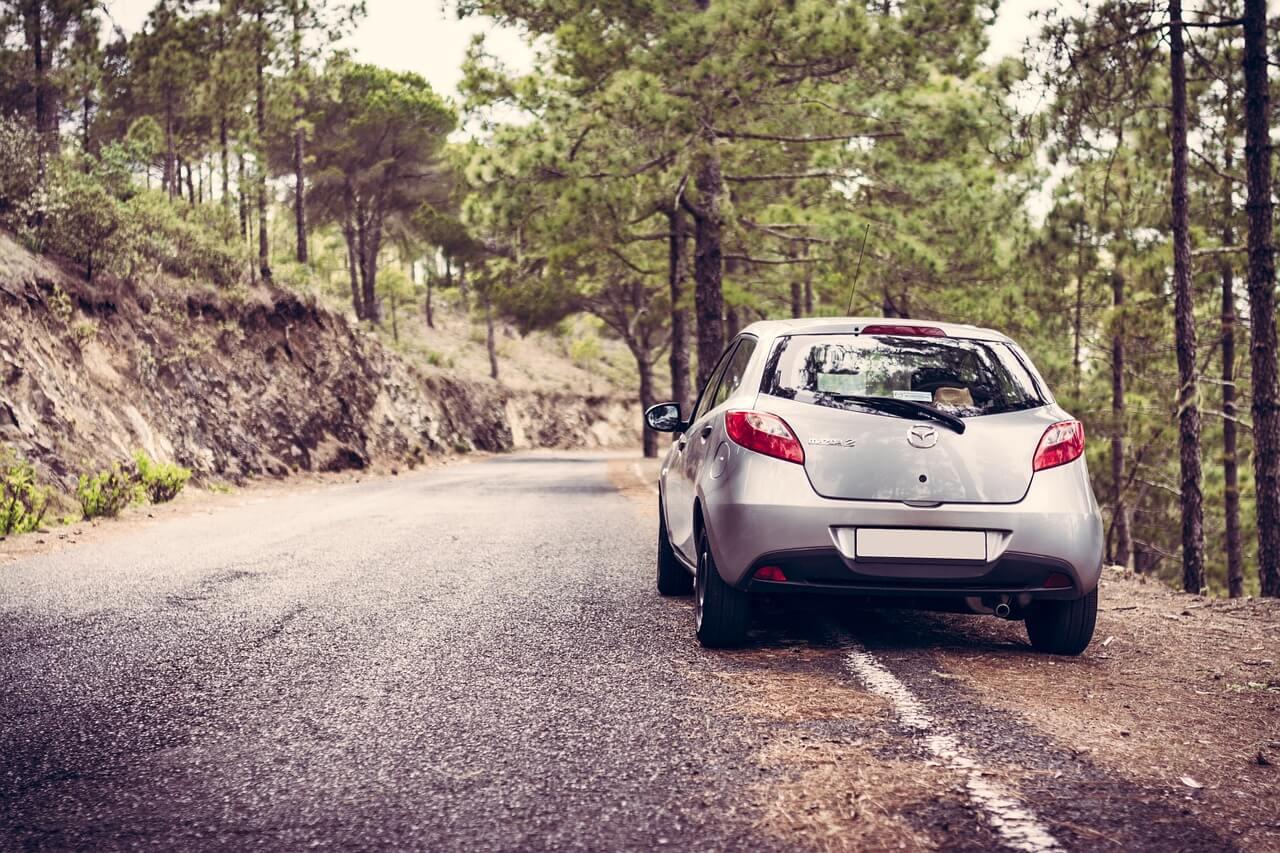 Przebieg samochodu a ubezpieczenie OC - czy ma wpływ na wysokość polisy?